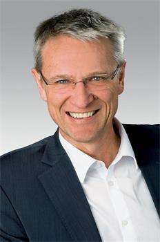 聖加倫州議員伯恩哈德・豪瑟(Bernhard Hauser)教授(明慧網)