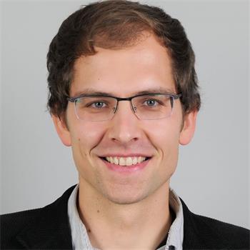 聖加倫州議員羅勒・奧伯霍爾澤(Basil Oberholzer)(明慧網)