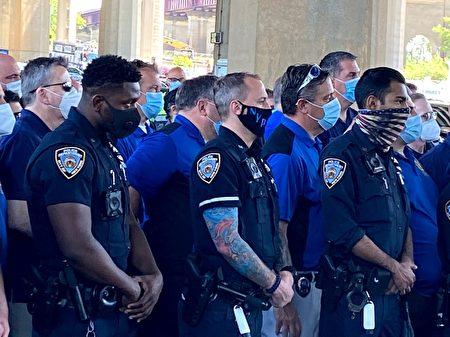 纽约警察工会传今日或宣布支持川普连任。
