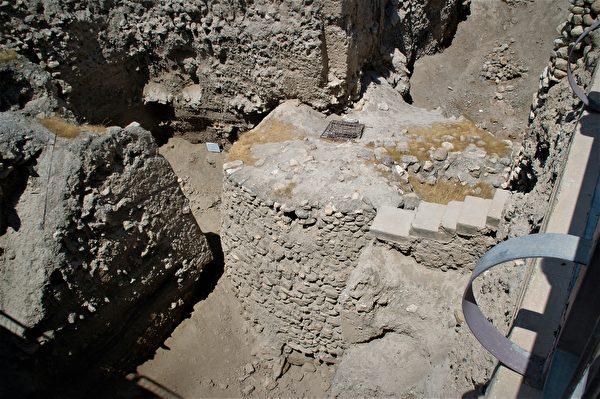耶利哥地底下有多層不同的古文明,包含新石器時代的城樓。(林高志/維基百科)