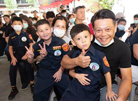 小小警察体验营活动登场。