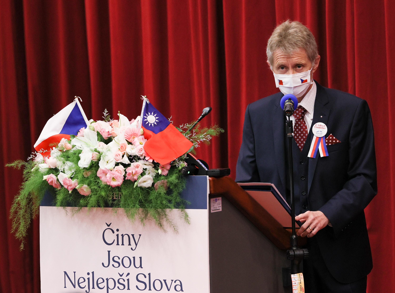 維特齊台灣首場演說:抱歉,捷克來晚了