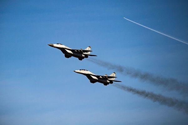 在中印邊境發生衝突後不久,俄羅斯已向印度出售33架戰機,其中包括21架MiG-29戰機(如圖),以及12架Su-30MKI戰機。(ANDREJ ISAKOVIC/AFP via Getty Images)