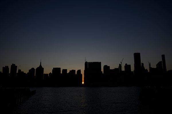 曼哈顿北部大规模停电 手机断网 火车延误