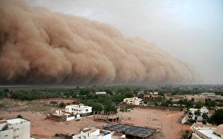 沙塵暴吞噬印度城市 如末日景象