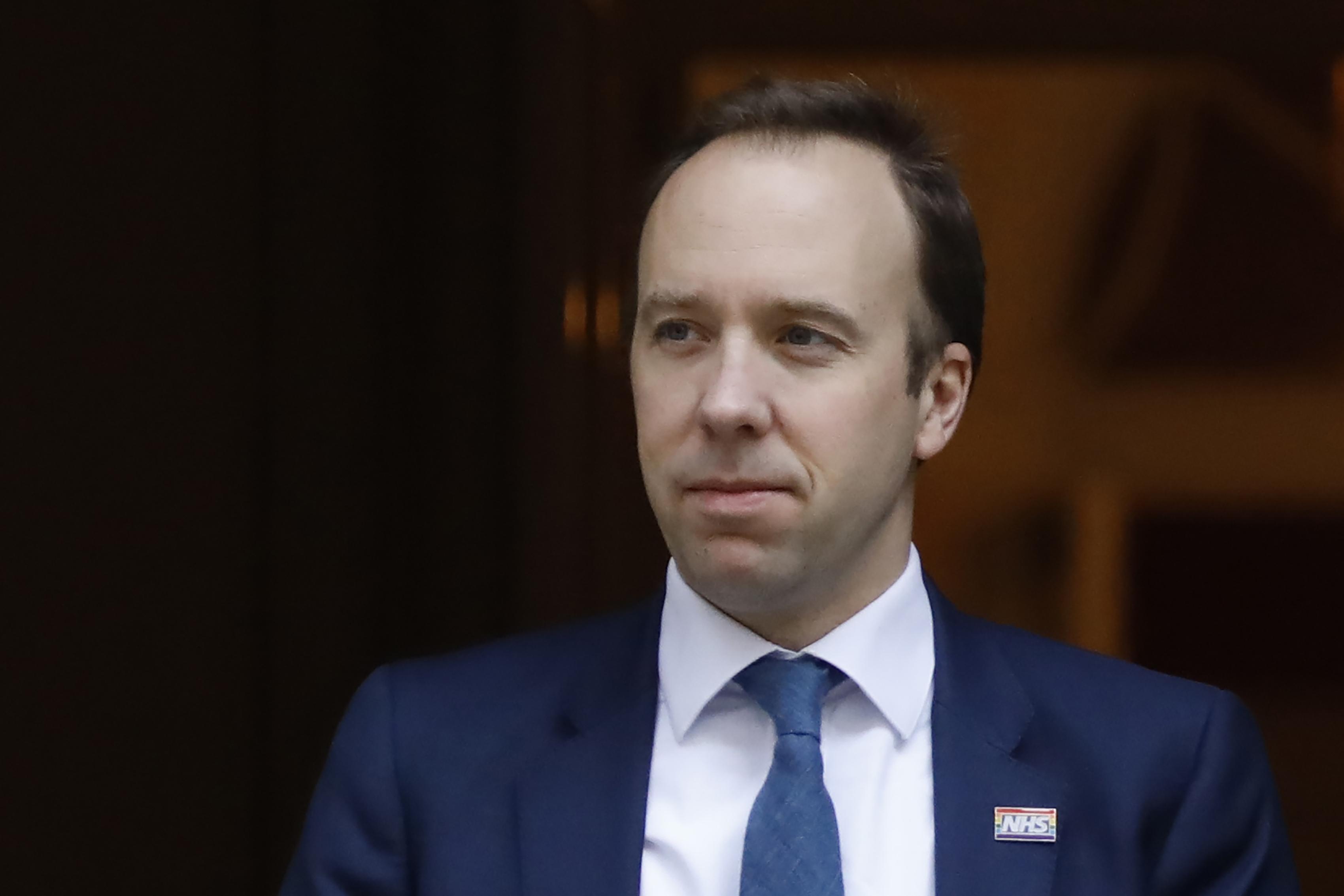 英國不強制戴口罩 衛生大臣:大多在家染疫