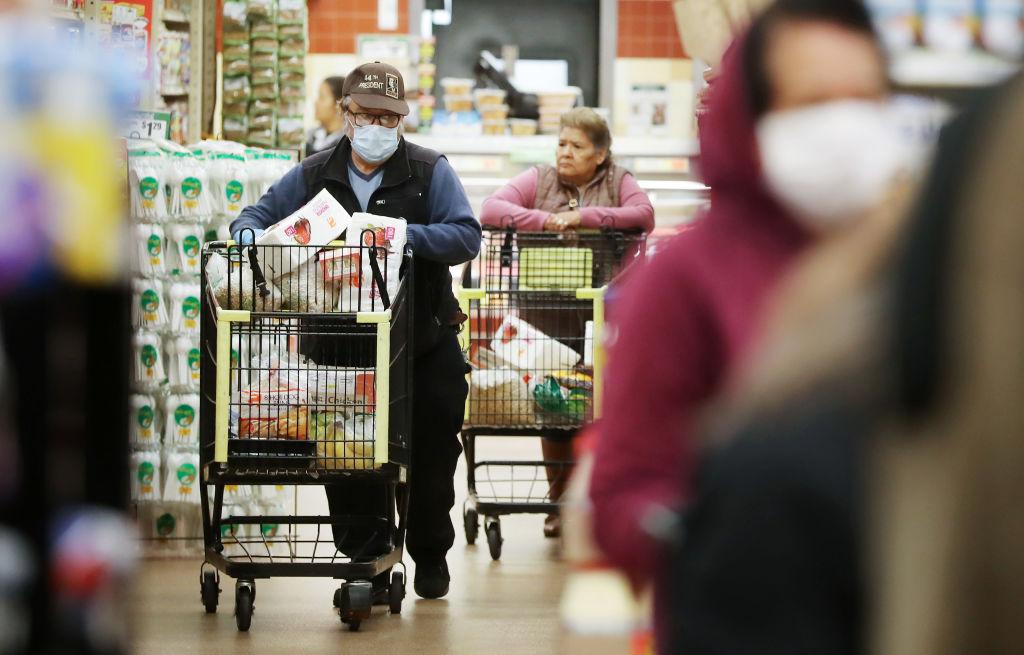 戰疫情救經濟 特朗普政策連獲專家點讚