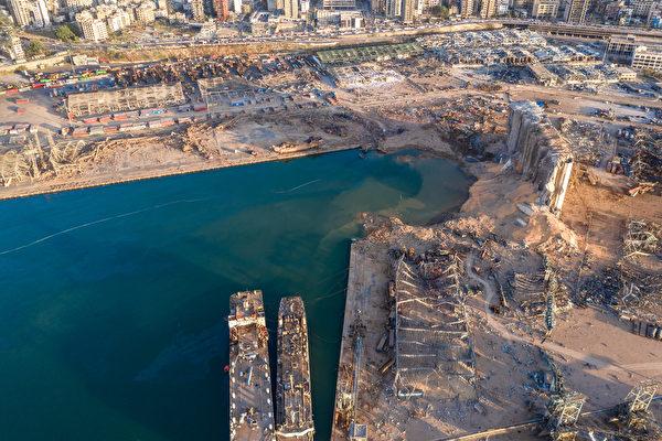 2020年8月5日,黎巴嫩貝魯特,爆炸後的港口空照圖。(Haytham El Achkar/Getty Images)