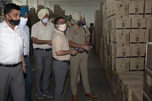 疑串通銀行職員洗錢 印度搜查數個中國實體