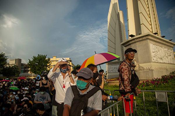 2020年8月16日,一萬多名泰國示威者在曼谷集會,要求泰國實現真正的民主。( Lauren DeCicca/Getty Images)