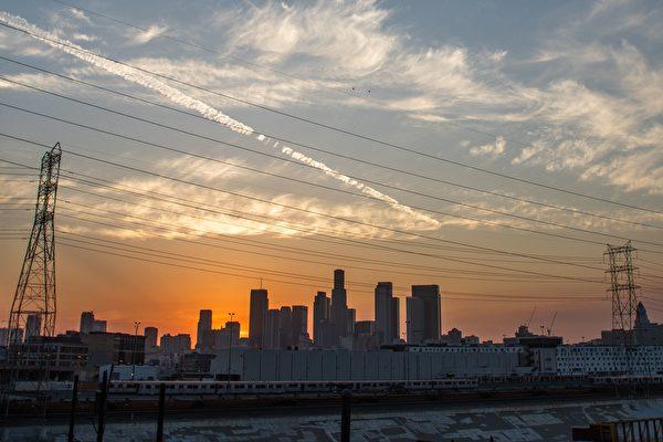 加州轮流停电延至周四 民众可网上查询详情