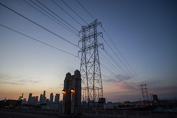 加州热浪下轮流断电 川普批民主党能源政策失败