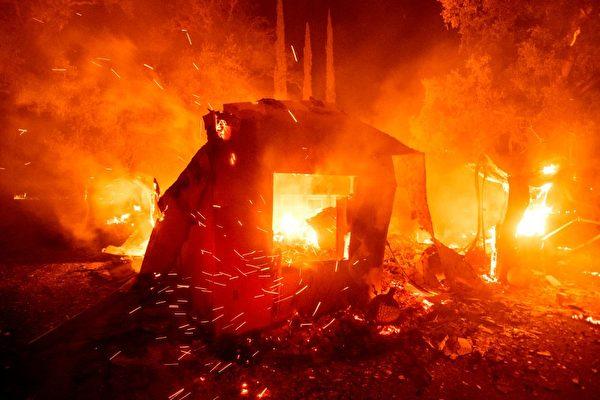 加州今年火災逾七千起 過火面積超去年25倍