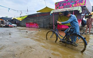 组图:阿富汗洪水摧毁至少500栋房屋 100死
