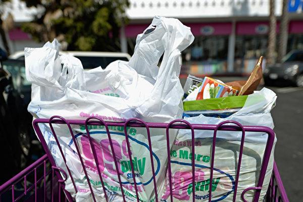 環保袋禁令一再改 加州購物者感困惑