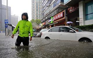 中国经济数据惨淡 洪患不断 复苏之路艰难