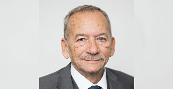 捷克已故前任議長柯佳洛(Jaroslav Kubera)。(Martin Vlček, Kancelař Senatu/CC BY 3.0)