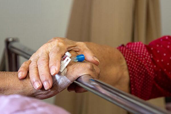 真爱70年 美国91岁夫妇相隔12小时离世