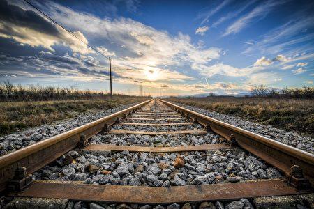 面临破产 日本铁路企业卖罐装石头挽救危机