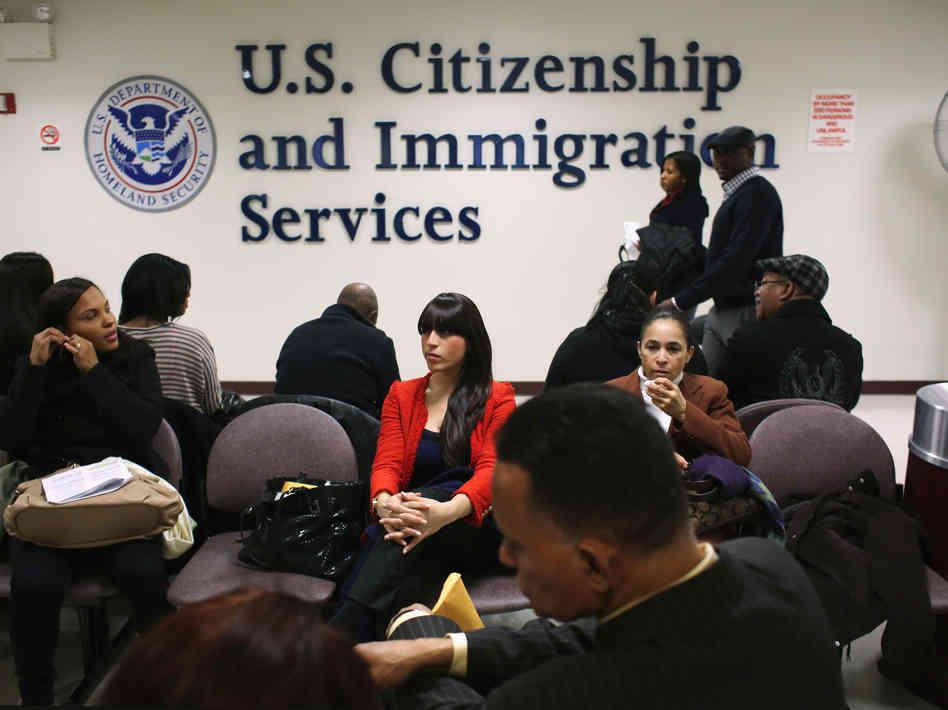 美國取消港人抽綠卡資格 與大陸同等對待
