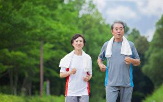 走路也能护膝盖 医师:对膝盖有益的健走方法