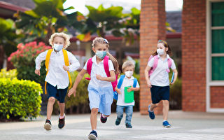 CDC说学校染疫风险低 美家长吁重启教室授课