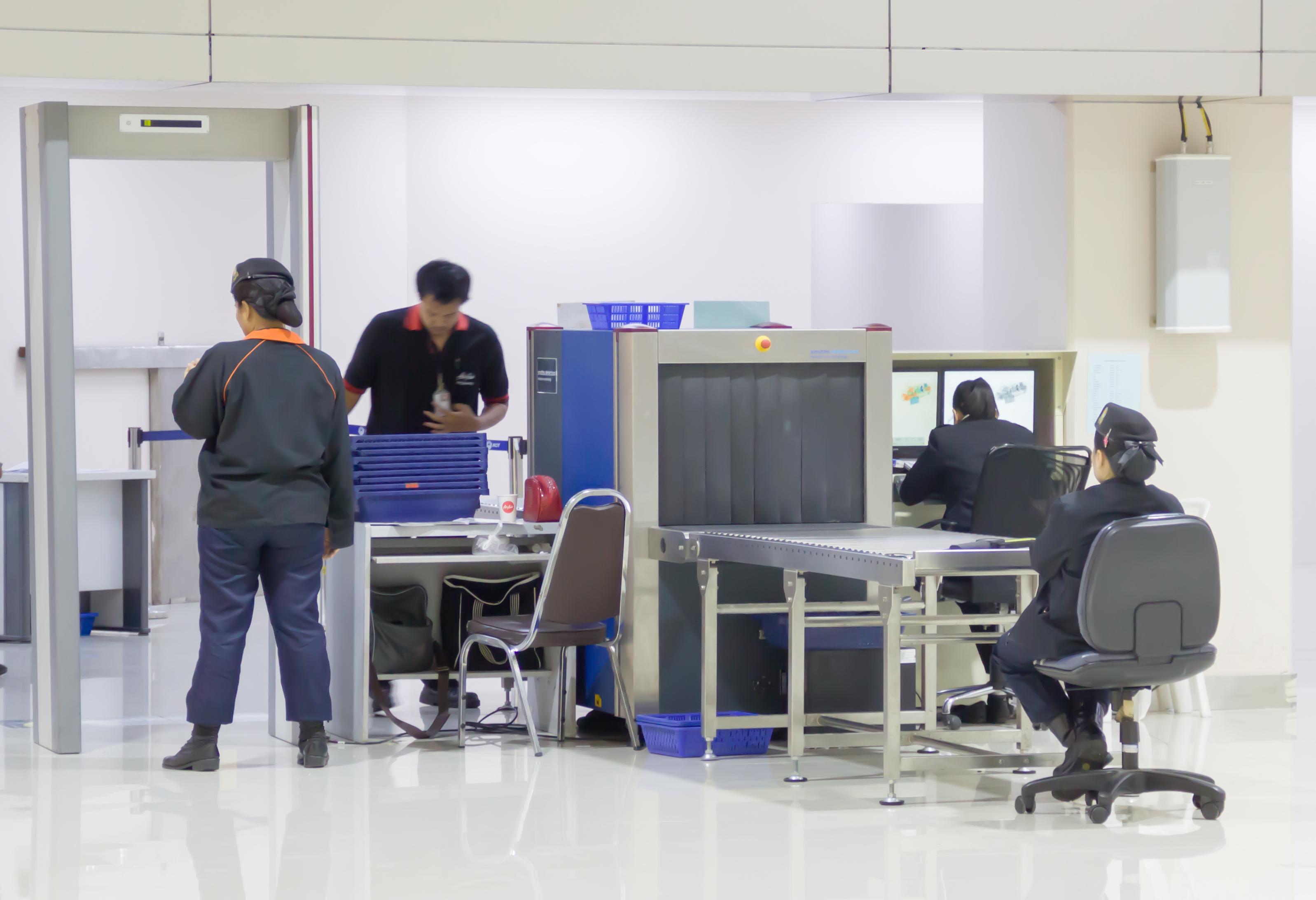 中國官企標得政府合同 加拿大介入調查