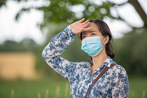 《路遇》片中女主角展現了一位瘟疫上身的大陸女子在危難期間的痛苦、迷茫、絕望的心境。(新世紀影視基地提供)