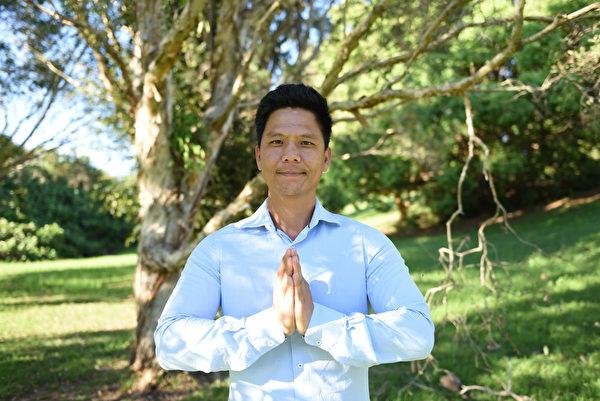 越南裔澳洲人黎青(Thanh Le)說,法輪大法是正法,感恩大法師父給予自己千載難逢的修煉機會,衷心感激師父,恭祝師父中秋節快樂。(大紀元/Jenny Lai)