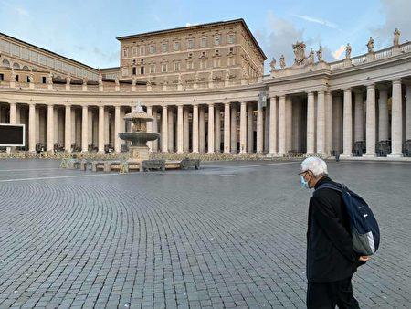 滿頭白髮的陳日君足足等了四天,依舊見不到教宗一面。(陳樞機面書)