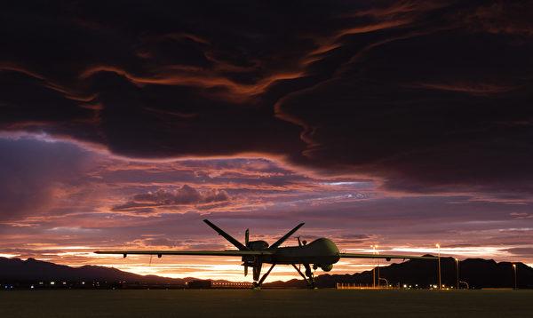 2019年11月20日,一架MQ-9收割者(Reaper)無人機在內華達州克裏奇空軍基地的落日餘暉中。(Airman 1st Class William Rio Rosado/美國空軍)