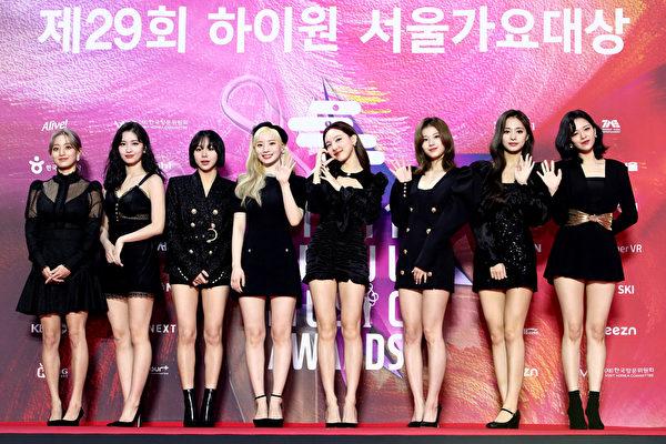 [新聞] TWICE七登公信榜專輯榜冠軍海外女歌手第一