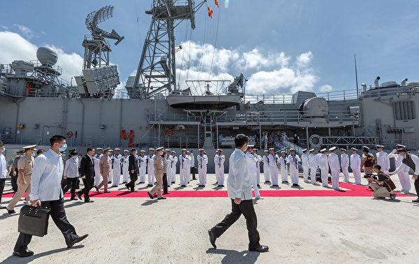 中華民國總統蔡英文9月22日午間前往澎湖秋節慰勉「海軍146艦隊」。(總統府提供)