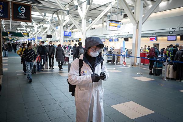 图:温哥华国家机场目前正在尝试选择一种能够快速提供结果的测试,理想的情况是在乘客登机之前就得知结果。(Darryl Dyck/加通社)