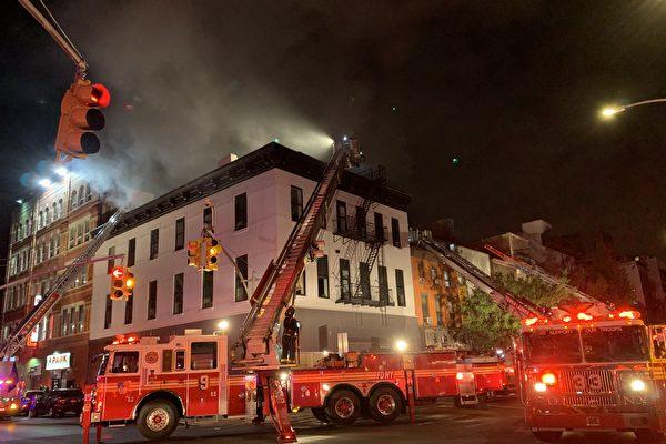 紐約華埠凌晨三級火   鄰里驚醒穿睡衣跑出