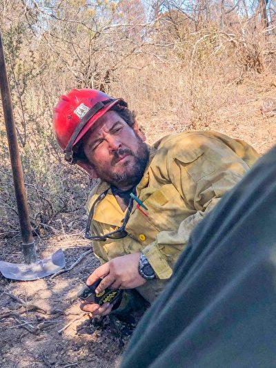 消防隊友送別殉職隊長:他總是支持我們