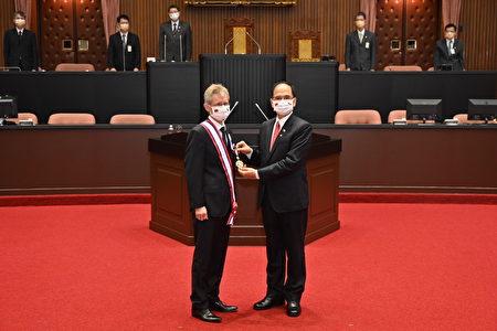 捷克參議院議長韋德齊1日在立法院發表演說。