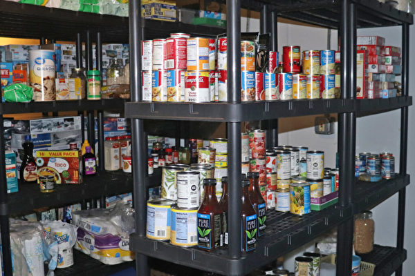 美国厨师将车库变免费食品储藏室 爱心助人