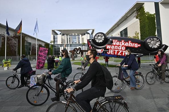 经济发动机熄火 德国汽车业首次面临大裁员