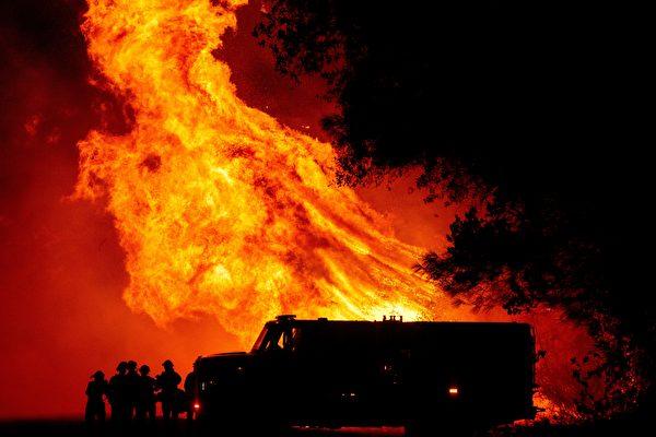 加州熊火燃燒迅猛 灣區出現災難天氣