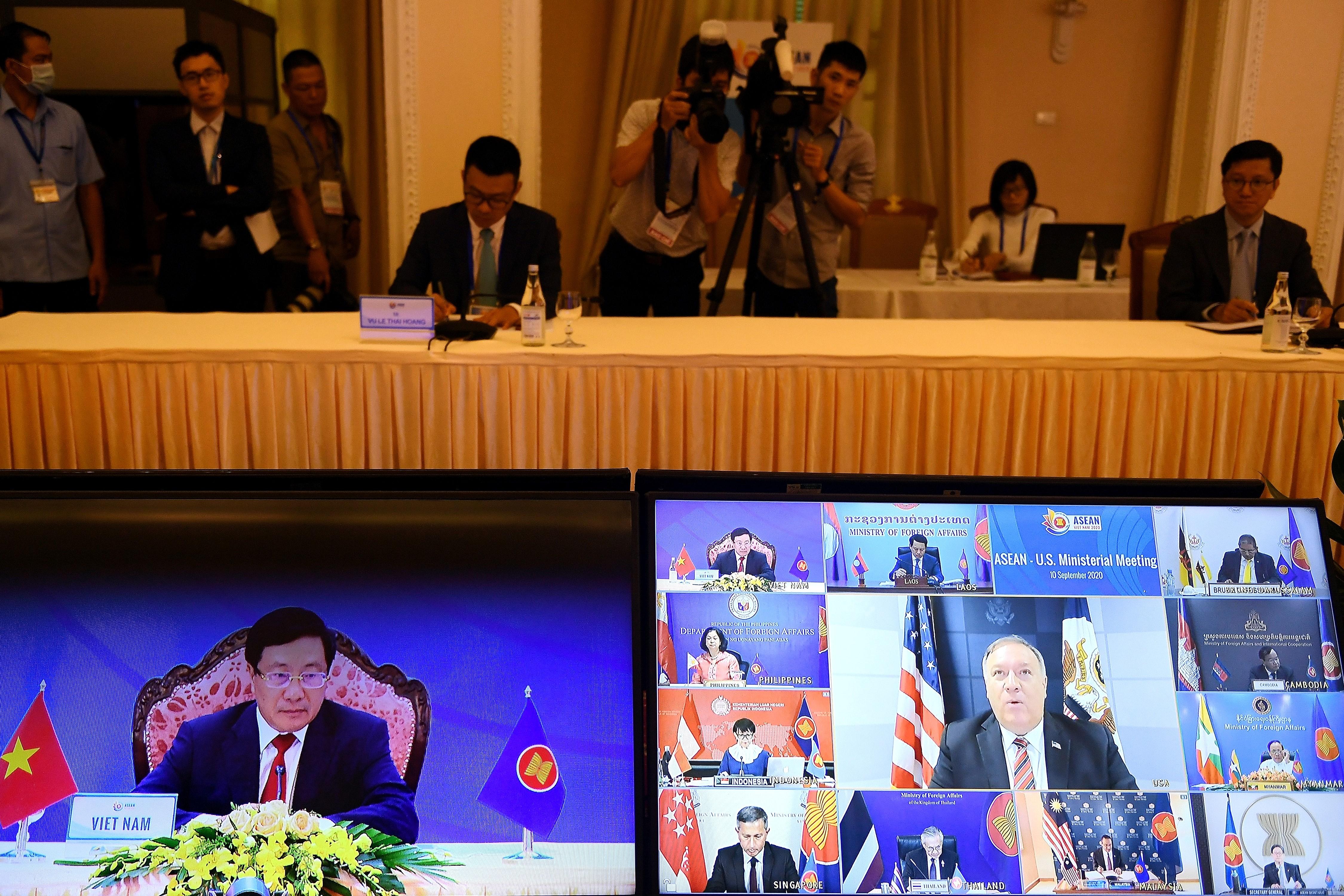 楊威:中美外交戰頻繁爭奪 勝負已明