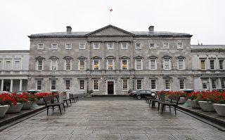 愛爾蘭衛生部長接受測試 內閣隔離議會休會