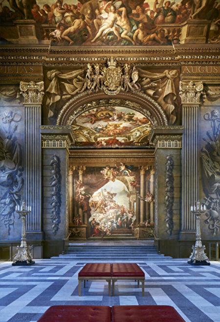 旧皇家海军学院, Old Royal Naval College, 彩绘画厅, Painted Hall, 詹姆斯·桑希尔爵士, Sir James Thornhill, 王室