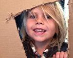 美四歲童重製經典電影場景 籌上萬善款助貧困