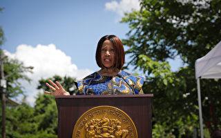 """新泽西非裔副州长公开说不支持""""削减警费"""""""