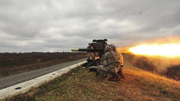 2015年3月20日,第101空降師士兵試射BGM-71 拖式(TOW)導彈。(美國陸軍圖片)