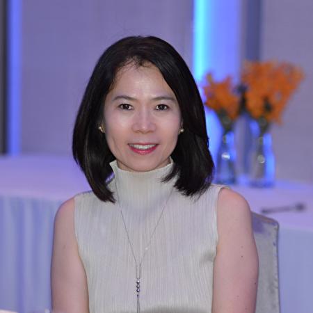 圖:台灣經濟部外貿協會TAITRA於9月14日舉辦了一場網絡新聞發布會介紹台灣精品智能機械,圖為主持人達佛羅-Iris。(溫哥華台貿中心提供)
