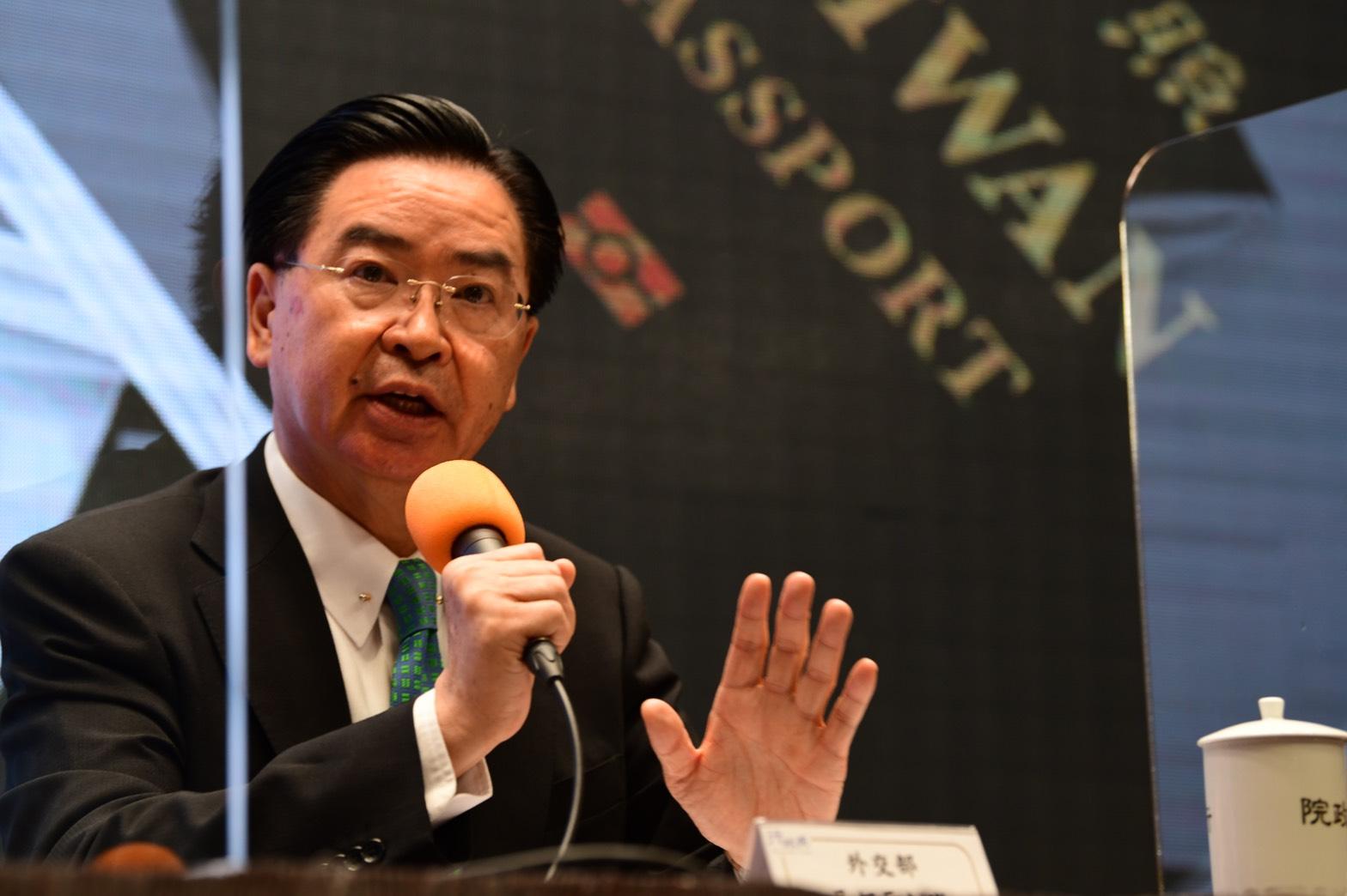 台外交部長談中共威脅:台灣是民主前線