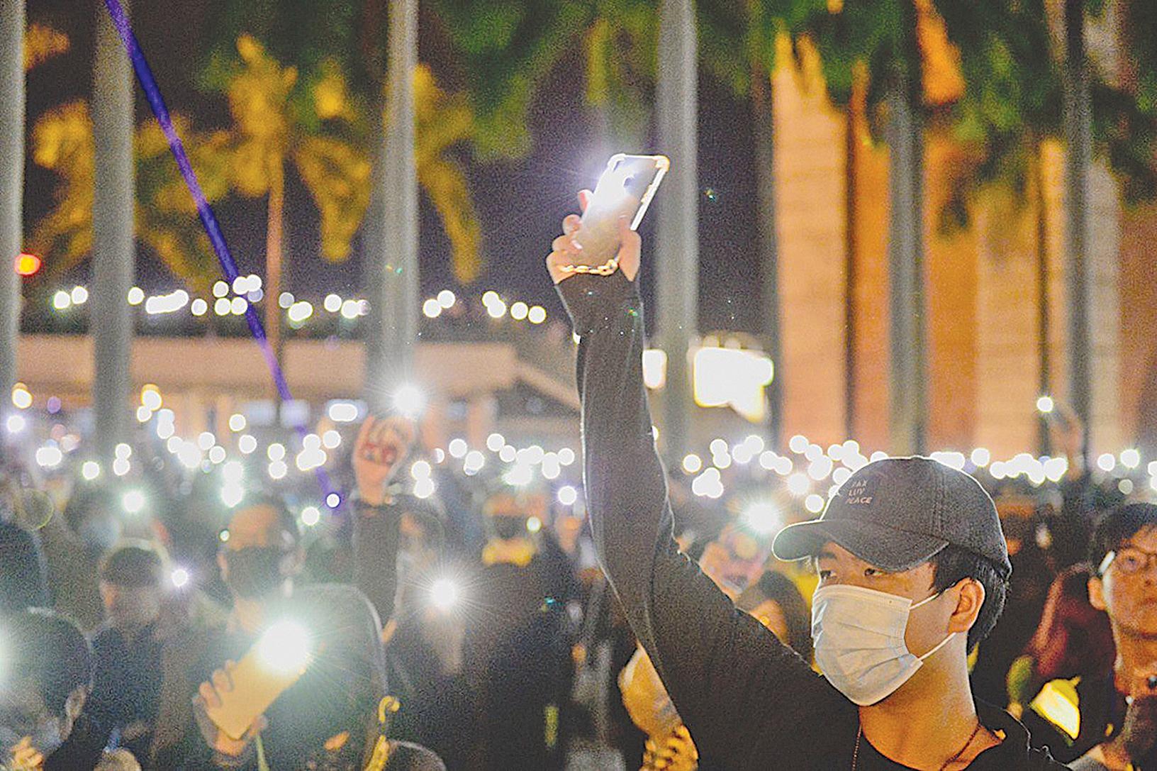 兩名反送中香港青年正式收到美庇護批准信