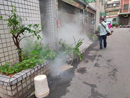 为避免因雨后积水,成为病媒蚊孳生的温床,呼吁大家一起维护环境。